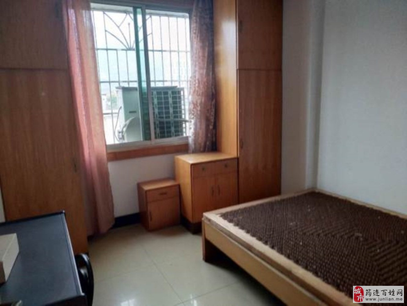 金鑫步行街5室3厅2卫61.8万元