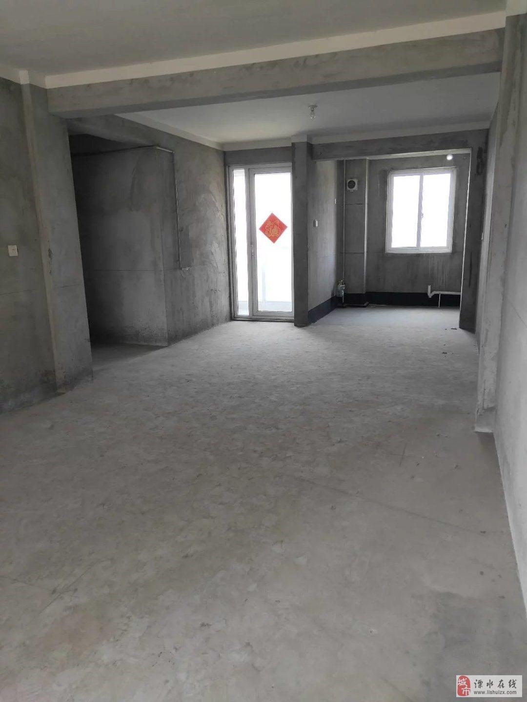 汇景苑128平三室两卫中间楼层送车位毛坯满两年