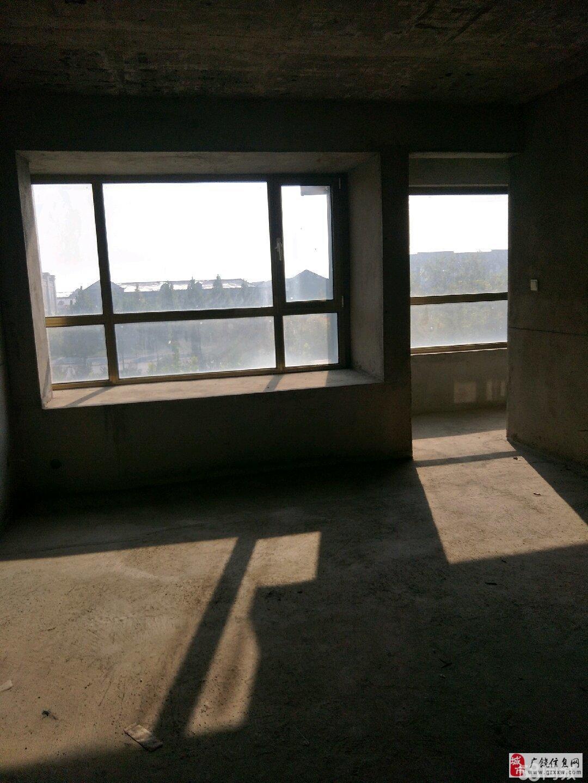 急售!丽景豪庭4楼上英才4室证满2年145平109万