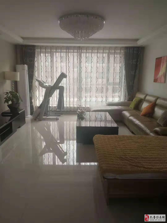 玉龍家園3室1廳1衛56.8萬元帶家具家電