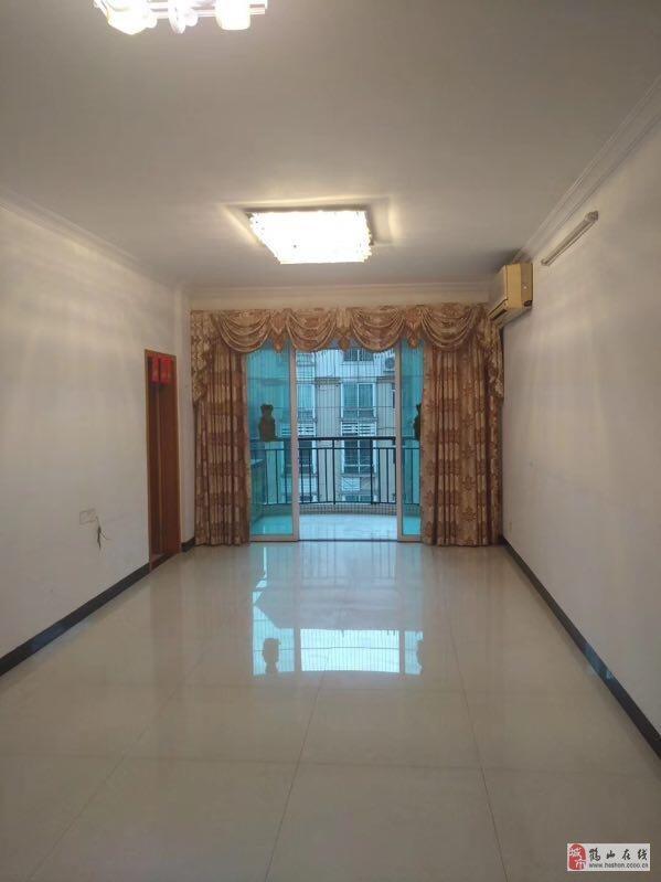 錦繡華虹6樓131方豪裝3室2廳2衛68萬