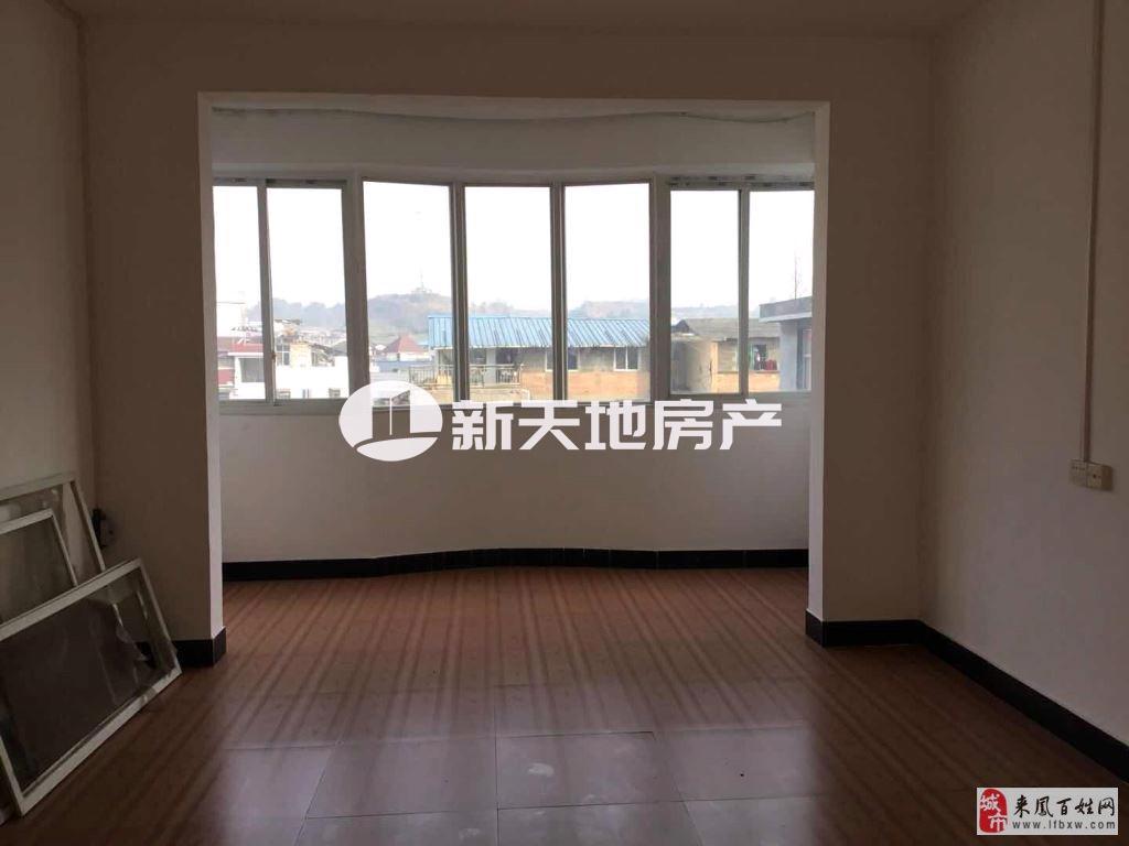 望族花园小区5室2厅3卫57.8万元