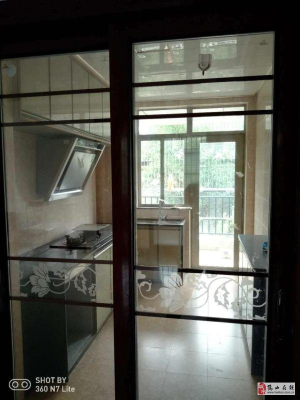 南景華府低層2樓123方3室2廳2衛95萬元