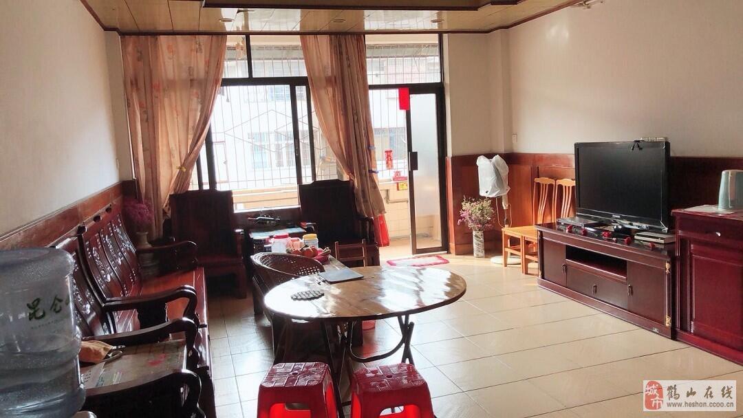 桂北村5樓150方4室2廳2衛豪裝僅33萬