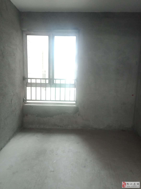 檀香山4室2厅2卫65.8万元