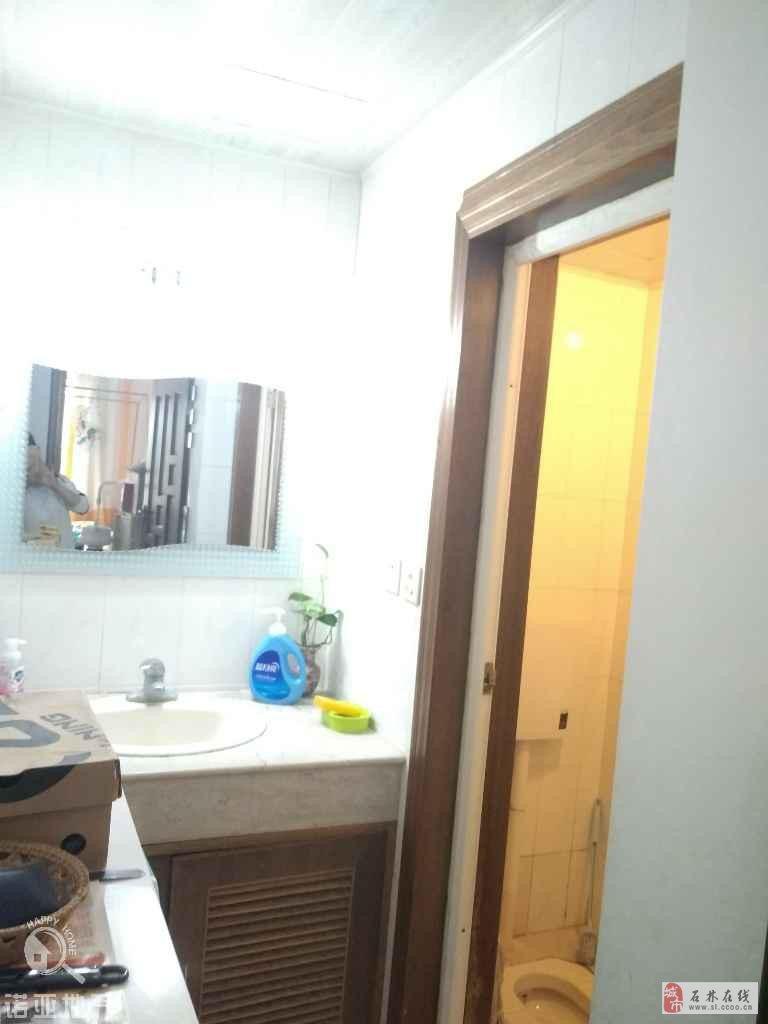 東城區2號地2樓帶車庫4室2廳2衛63萬元