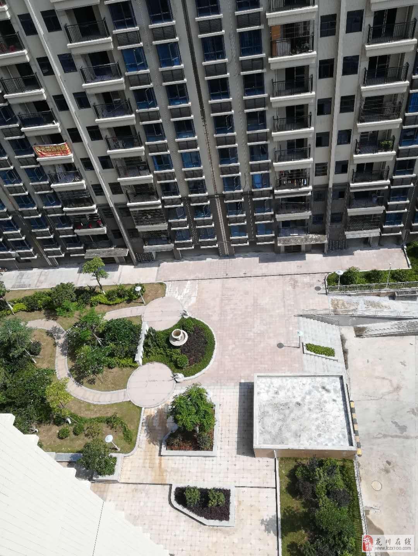 东源的房价市区的房鸿润华府3室2厅2卫78万元