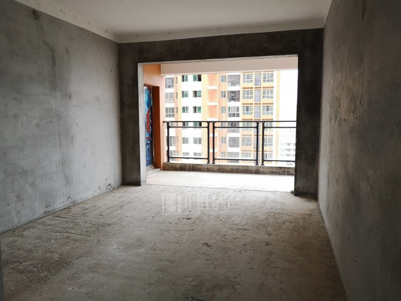福熙城南北通透无暗间电梯中层3室2厅配套成熟