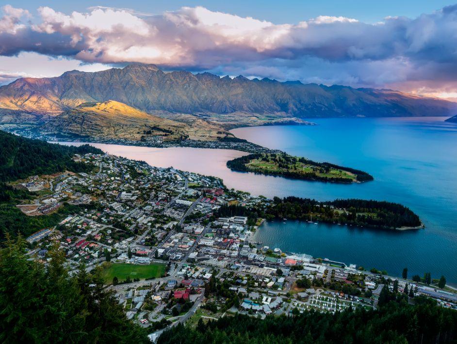 成功入选首批国家级运动休闲特色小镇  基本情况:位于新西兰东南部,瓦
