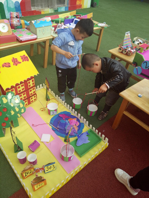 影音设施:舞台音响一套,幼儿园广播系统一套,摄像机一台,数码相机一部