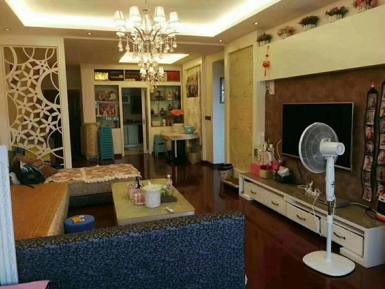 香榭花都2室 2厅 1卫66.8万元