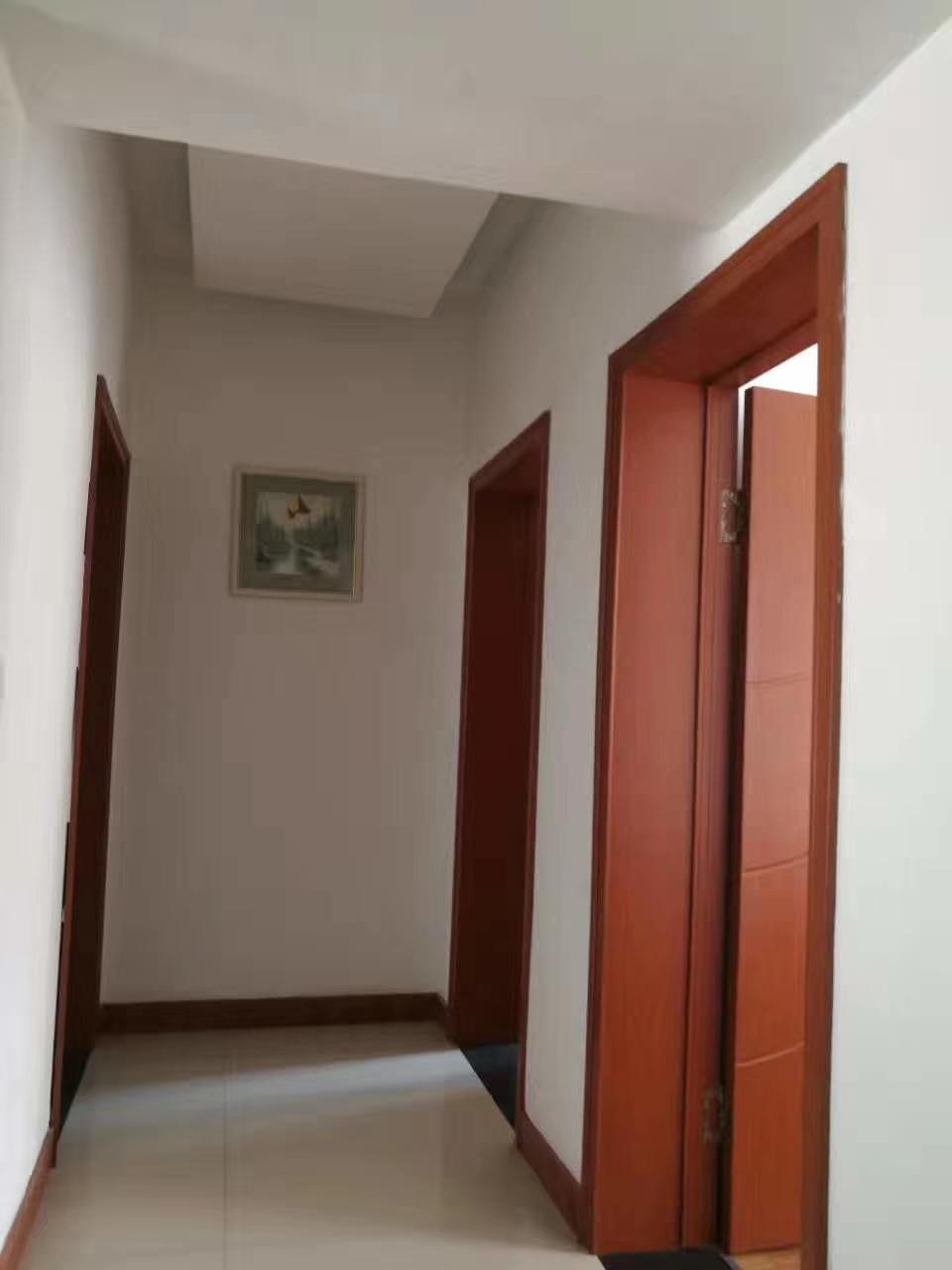 一品城3室 2厅 1卫44.18万元