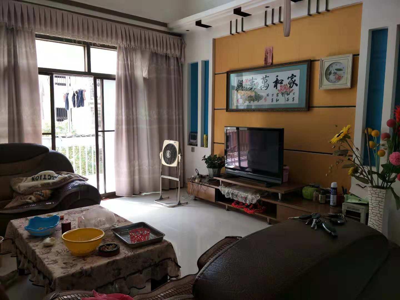 海棠苑5室 2厅 2卫170万元