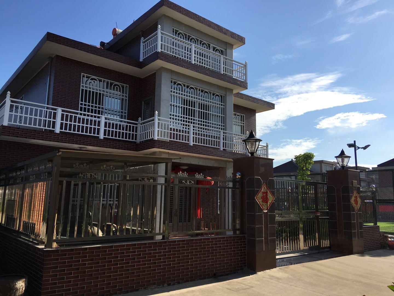 兴隆新村二期5室 2厅 2卫185万元