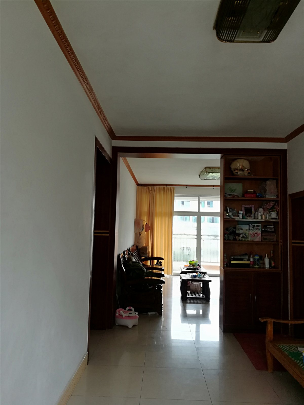新华文轩好楼层好地段3室 2厅 2卫56万元