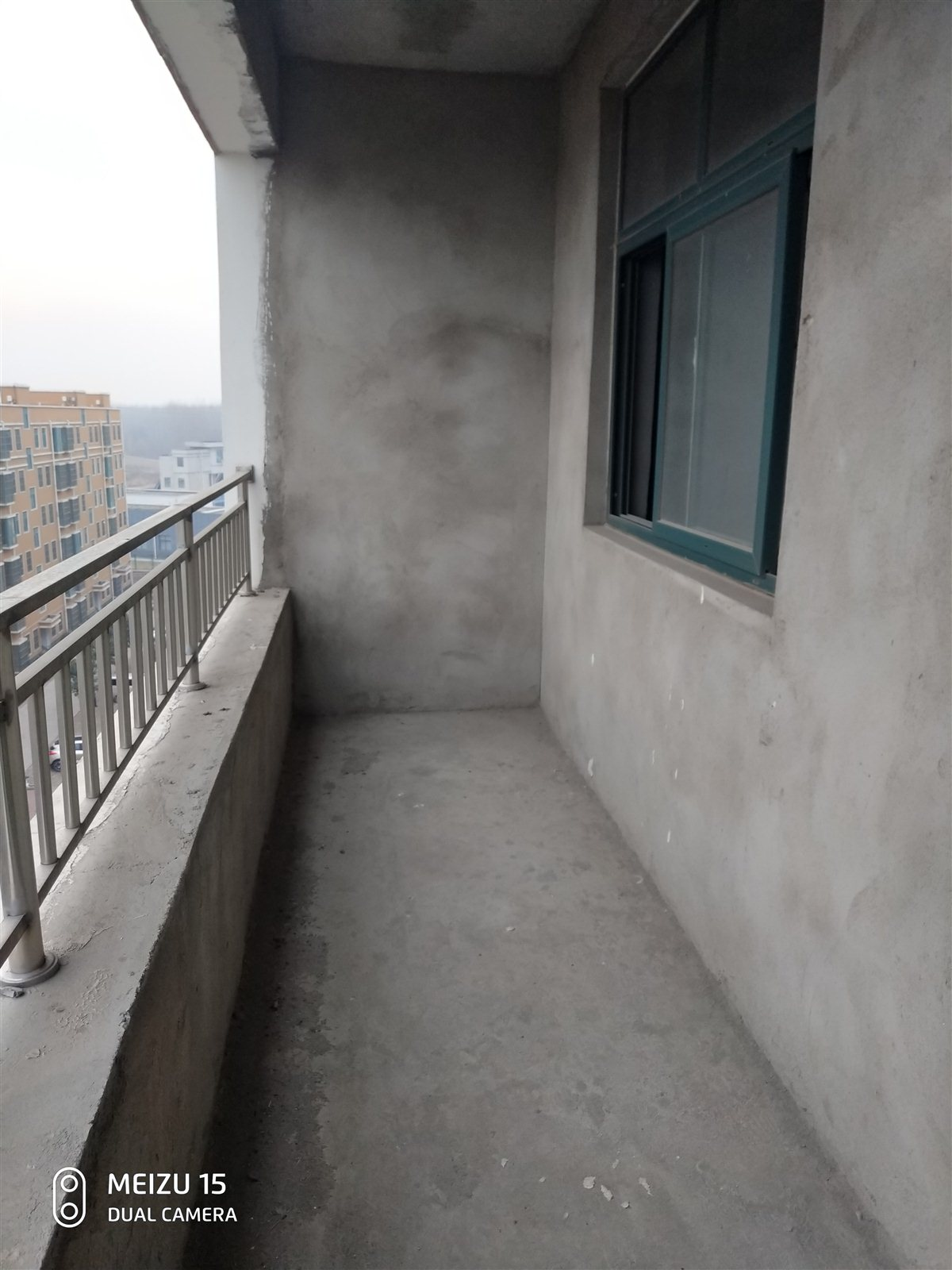 应河花园3室 2厅 2卫19万元