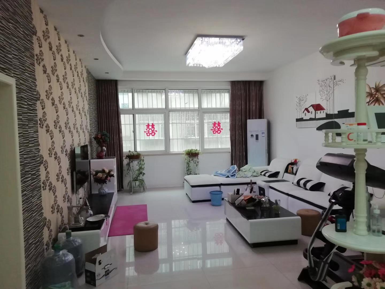 惠东小区3室 2厅 2卫46万元