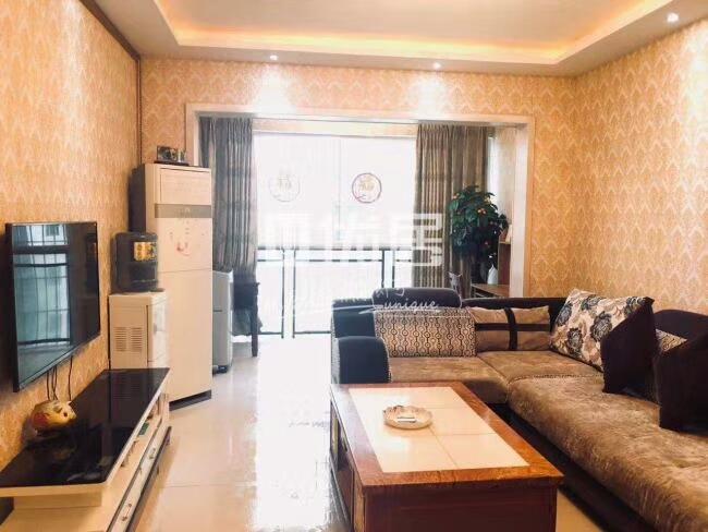 中交王府井3室 2厅 2卫90万元
