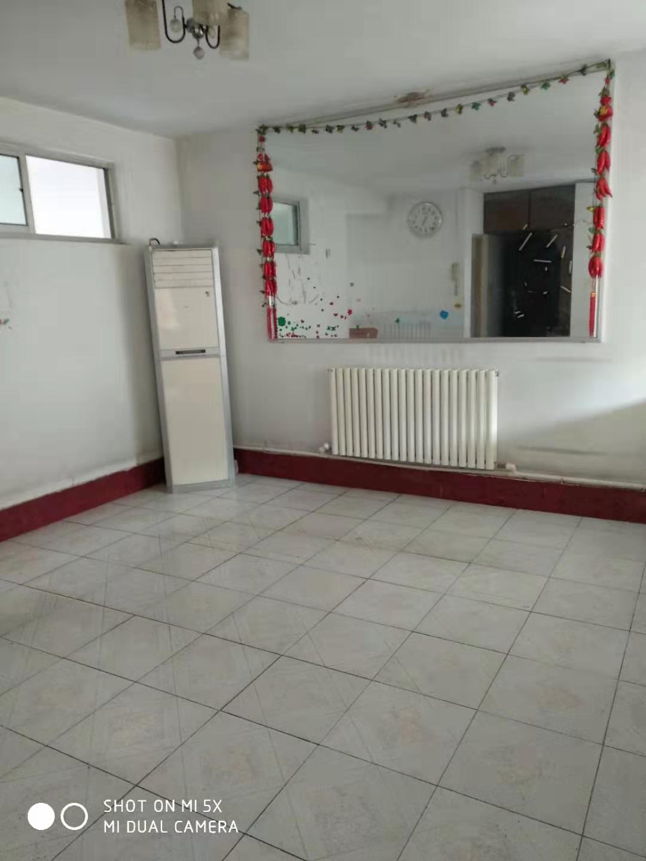 稀缺户型,松园小区3室2厅1卫,3楼。