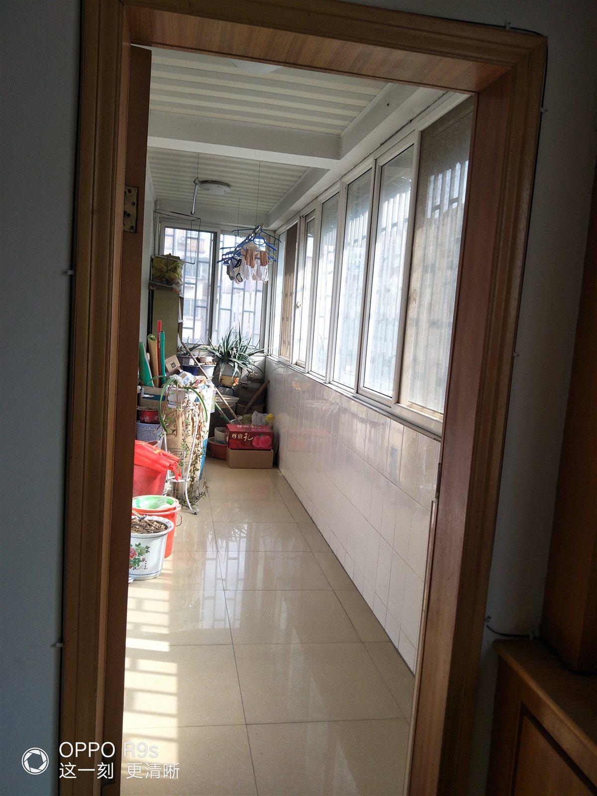 教育小区3室 2厅 1卫50万元