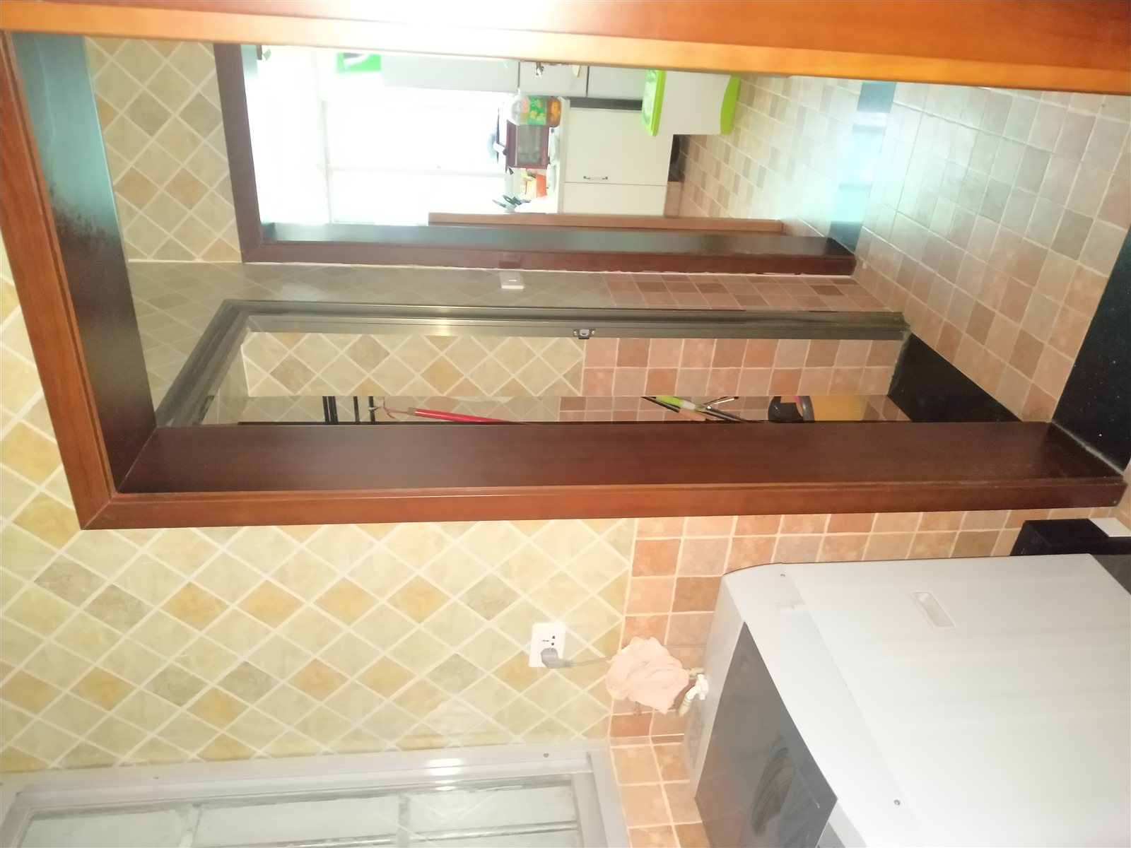 城西二路3室 2厅 2卫76.8万元