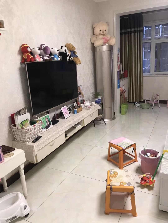 七里河畔3室 2厅 1卫63万元