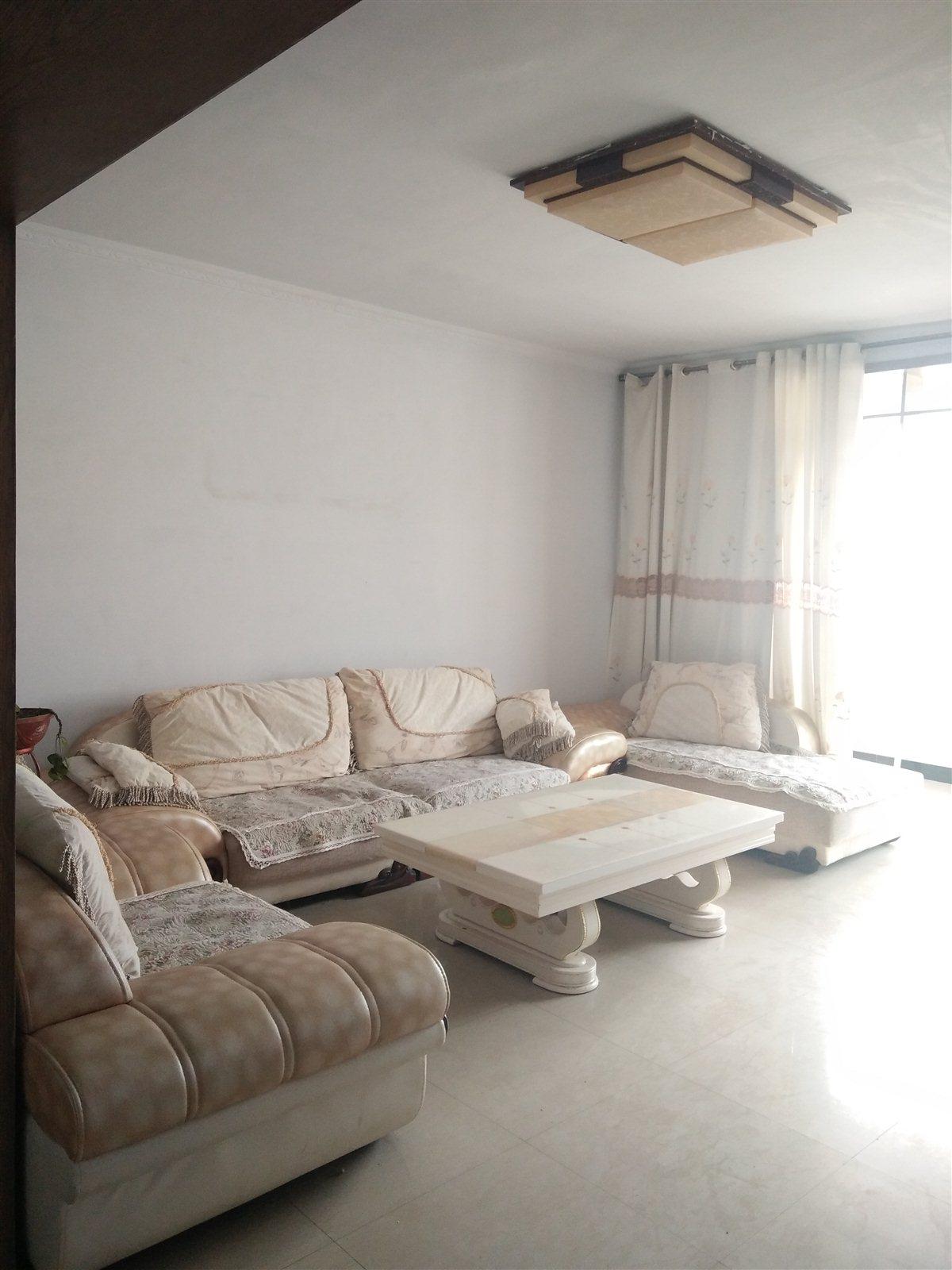 江南花园3室1厅1卫房屋出售42万元