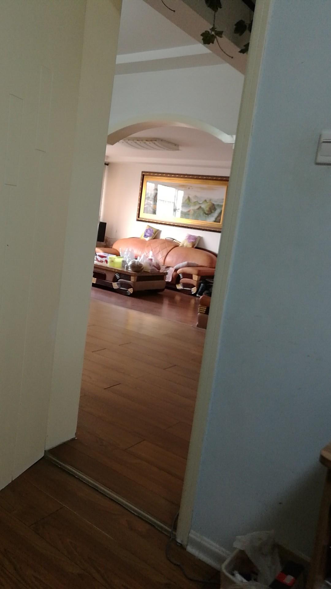 河兴小区3室 2厅 2卫