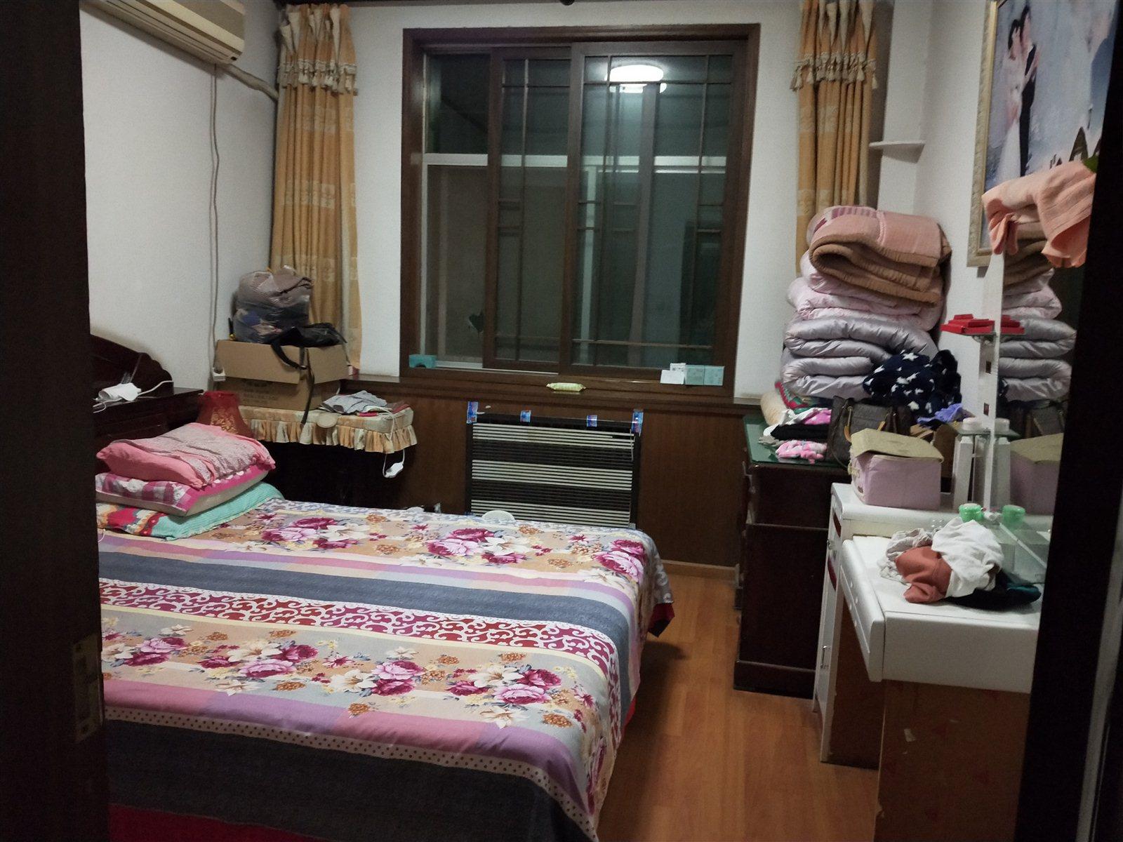南韩花园3室 1厅 1卫38万元