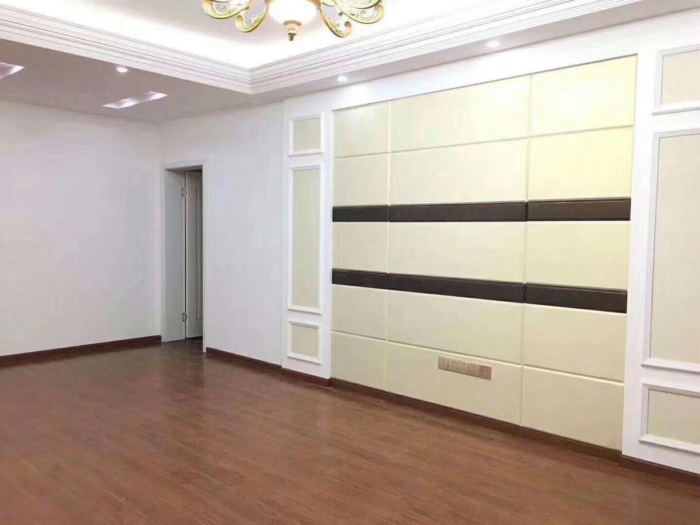南山小区3室 2厅 2卫52万元