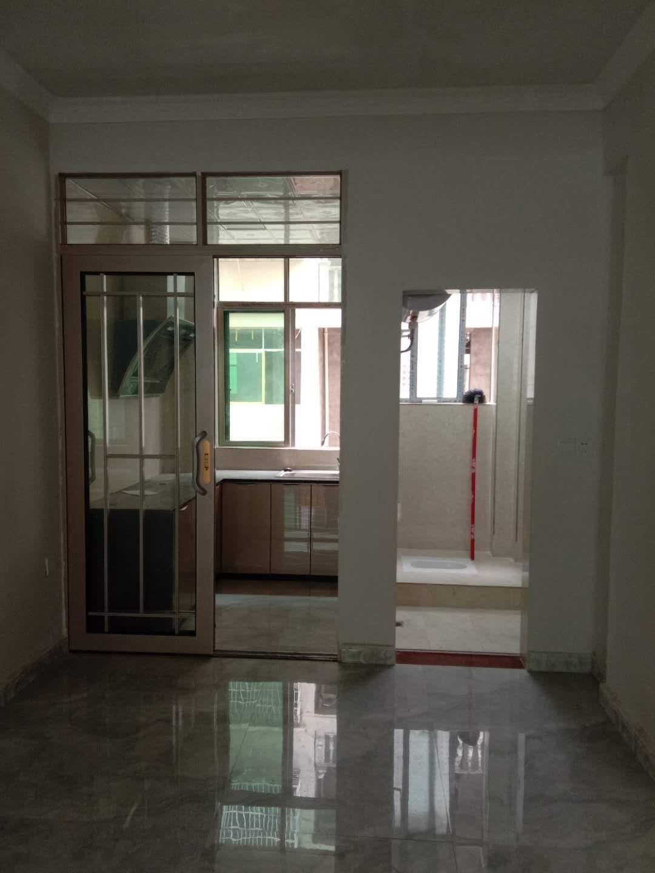 二中旁新房出售3室 2厅 1卫32万元