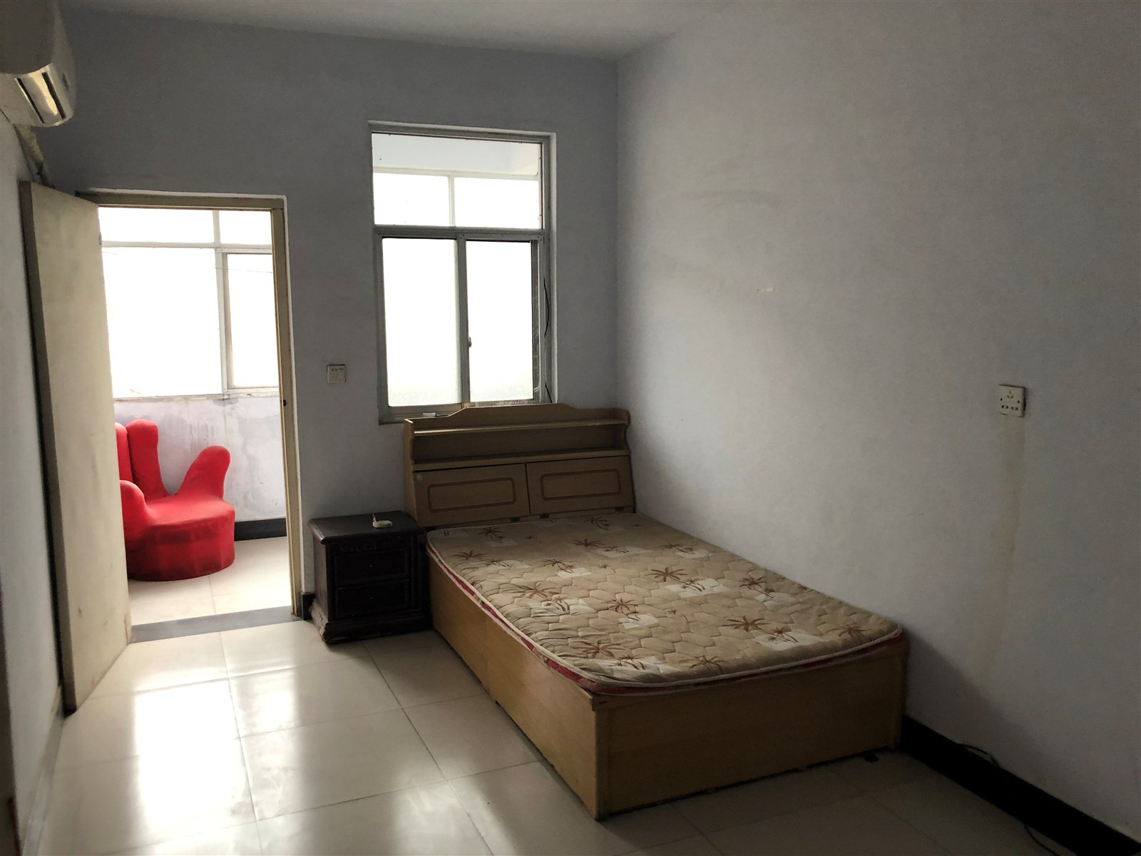 众品家属院3室 2厅 1卫30万元