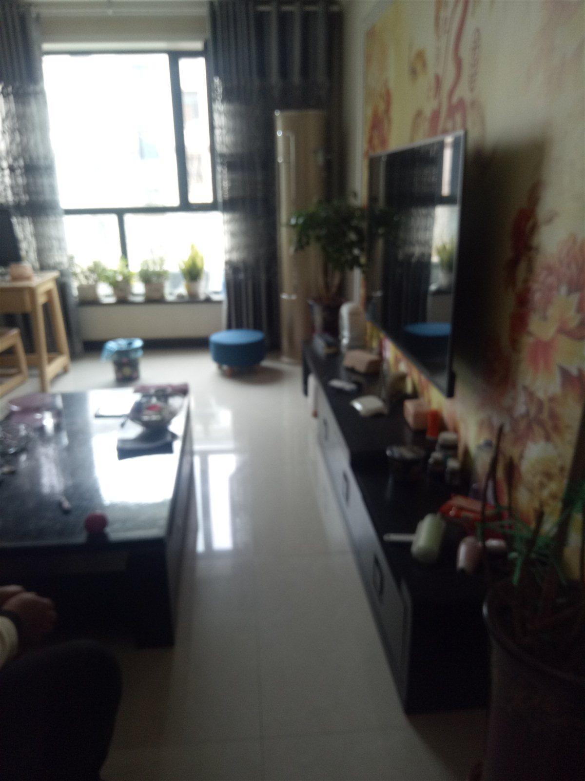 巨龍東區2室 2廳 1衛43.8萬元