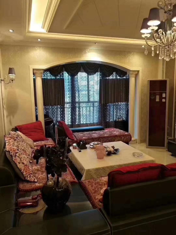 金庭水岸3室 2厅 2卫84.8万元