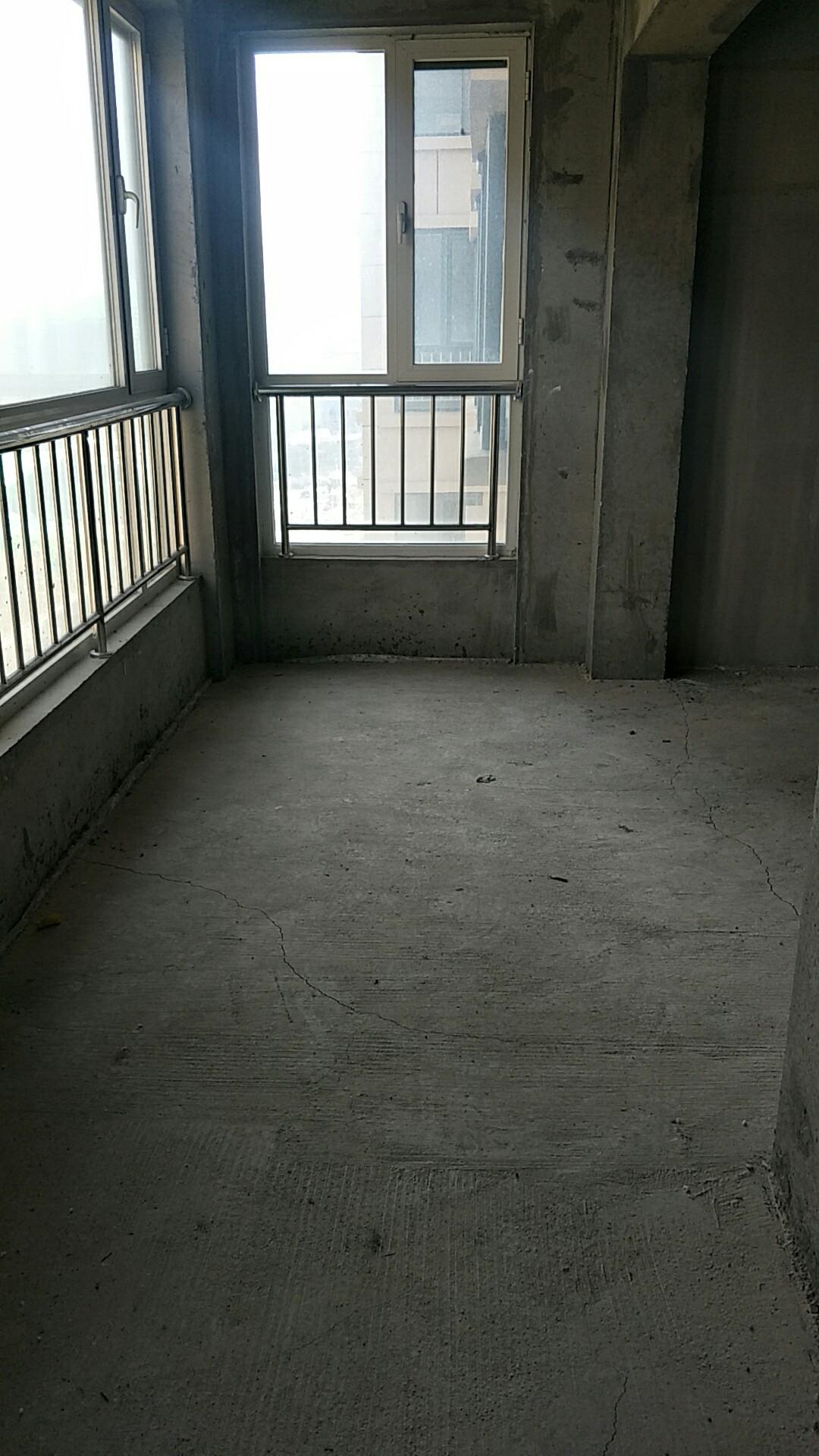 阳光水岸3室 2厅 1卫65万元