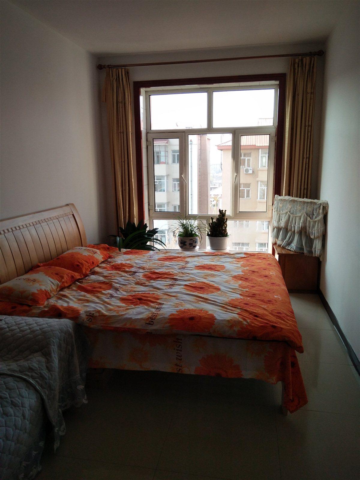 东苑小区2室 1厅 1卫11.8万元