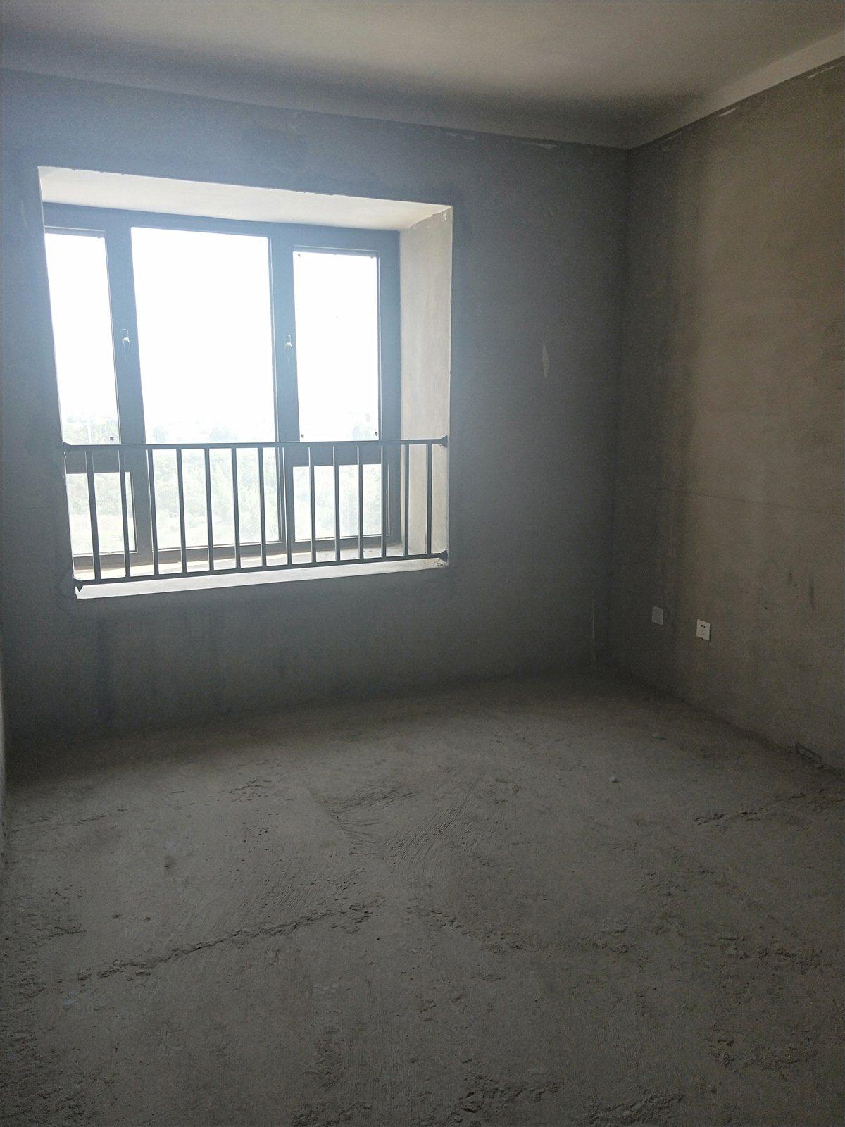 米兰小镇3室 1厅 1卫66万元