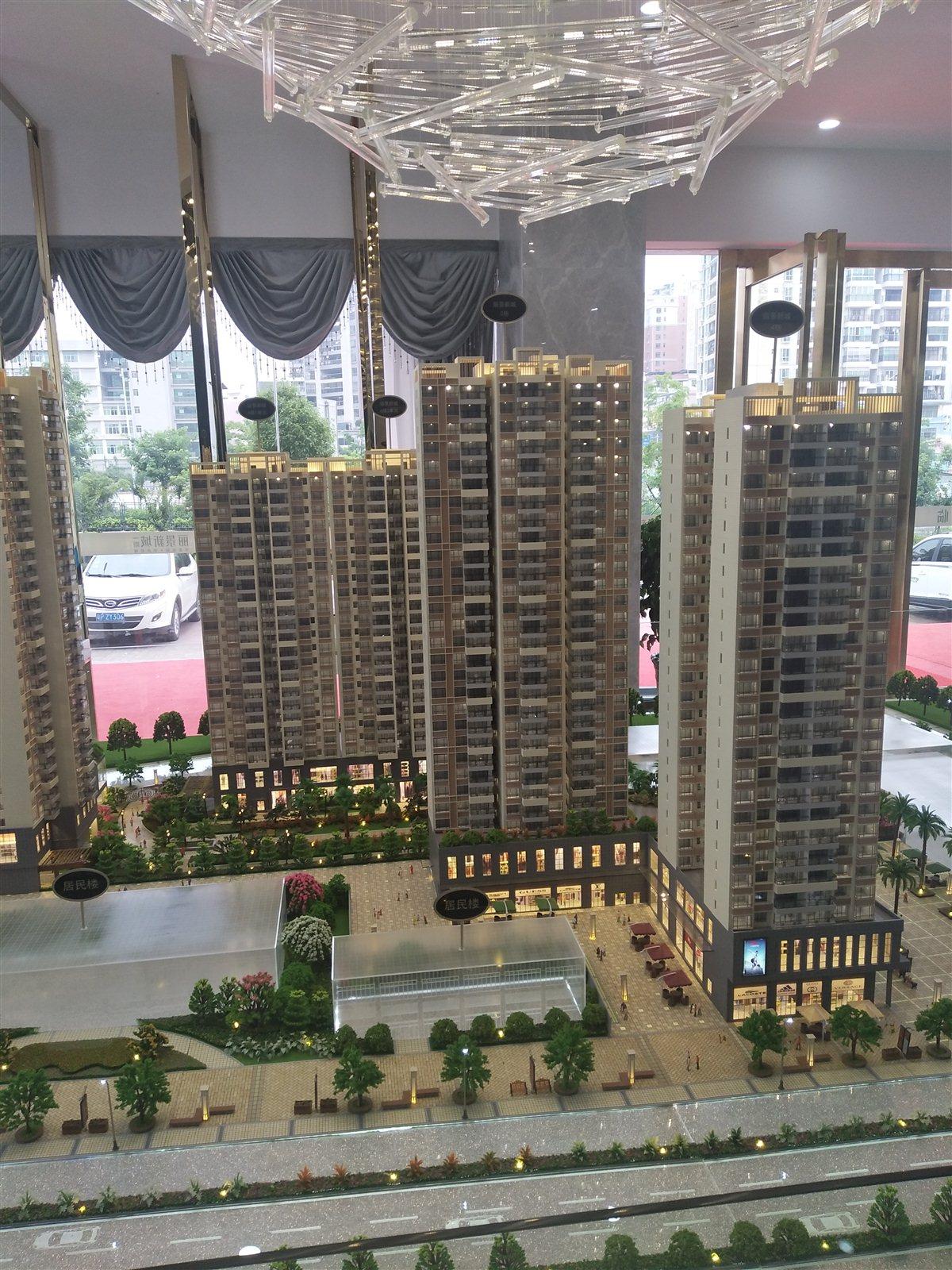 丽景新城一期4室 2厅 2卫68万元