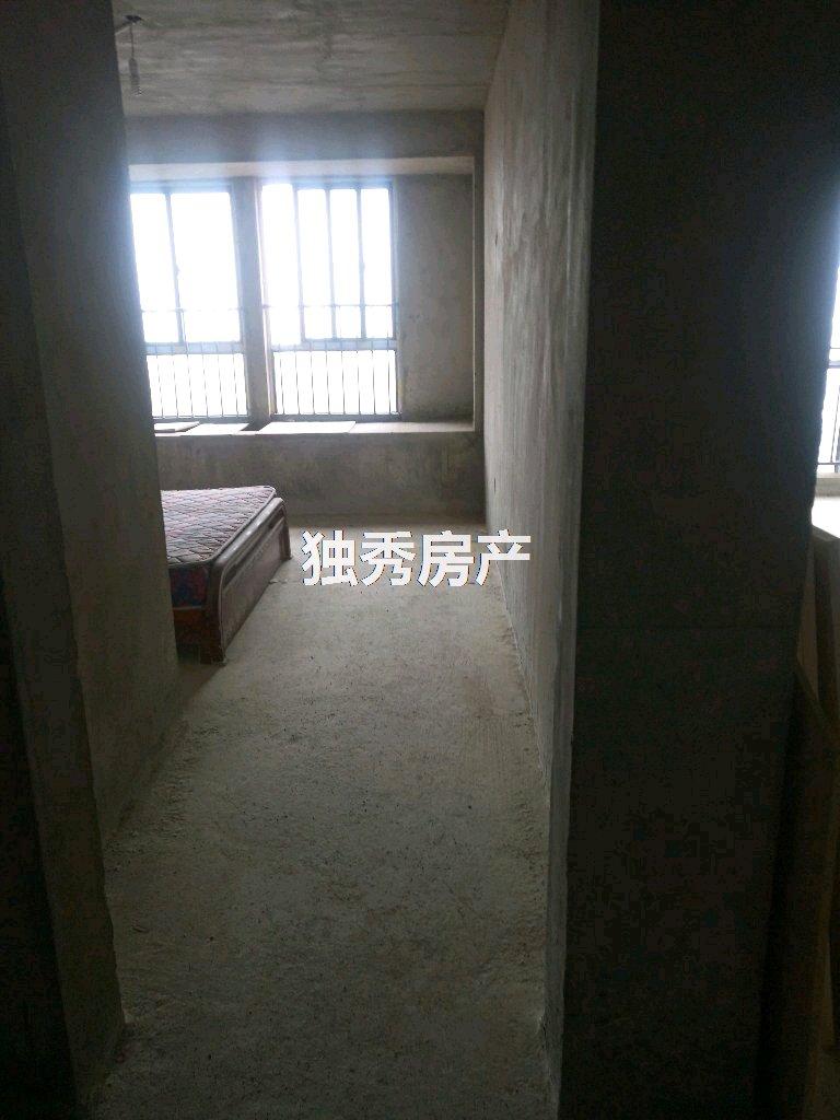 久阳春天 高端小区3室 2厅 1卫毛坯房 近学校