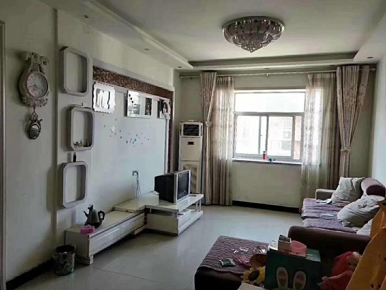 炎黄小区3室 2厅 2卫66.8万元