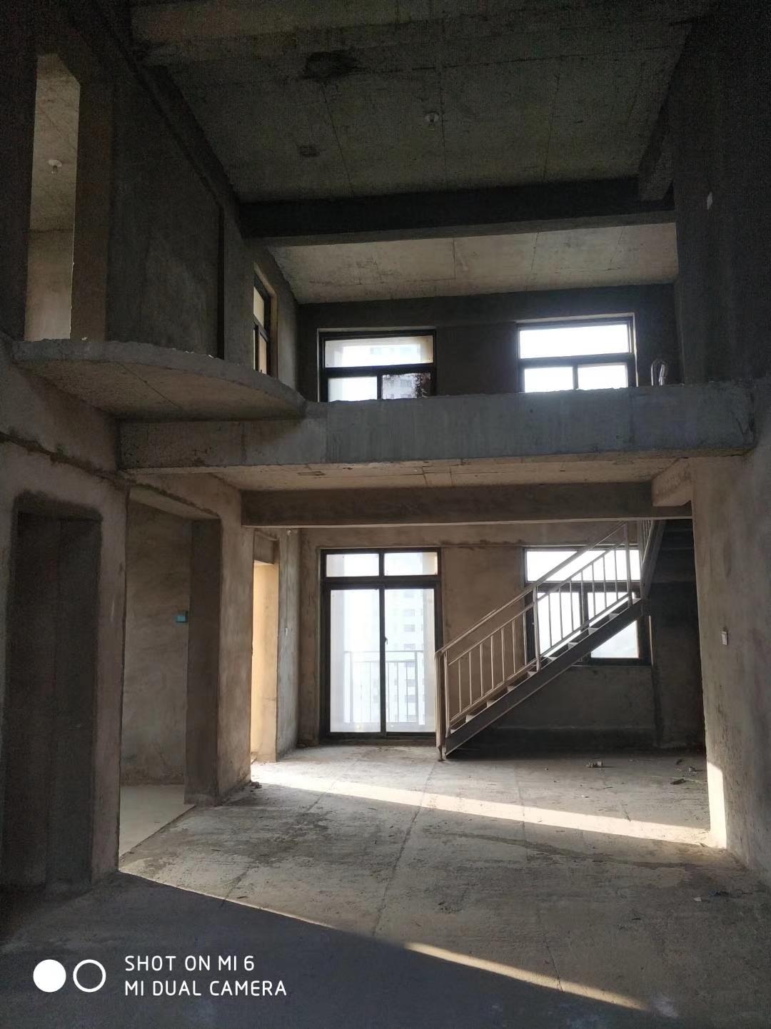 米兰小镇5室 3厅 3卫