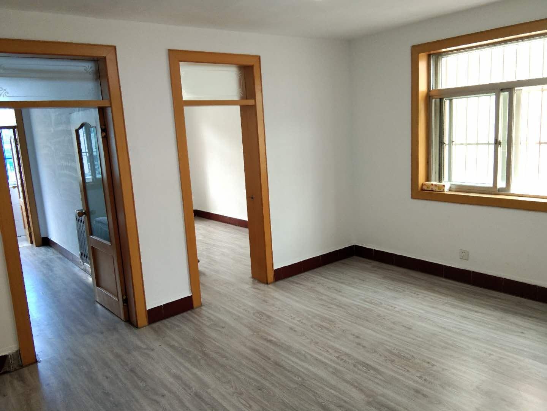 █蜆河小區4樓客廳帶窗,76平精裝修寬敞3室帶小房48.5萬