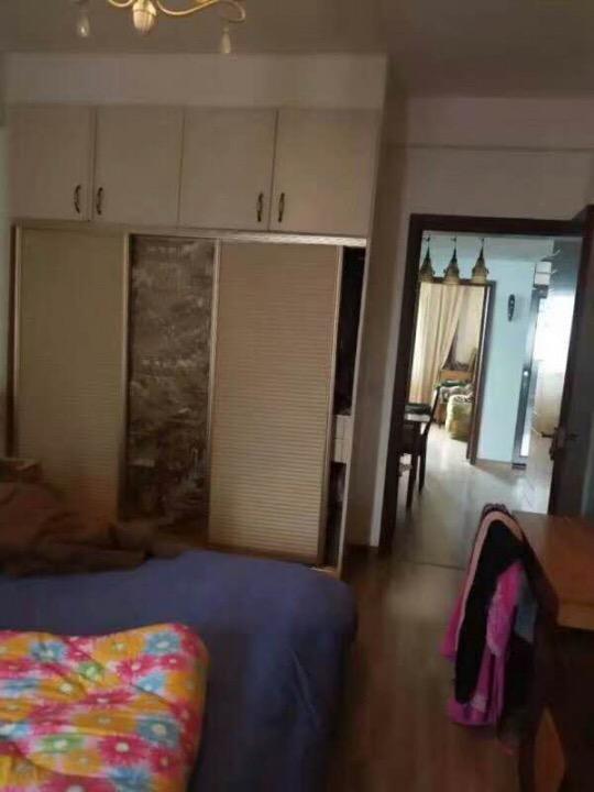 龙潭映翠园3室 2厅 1卫50万元