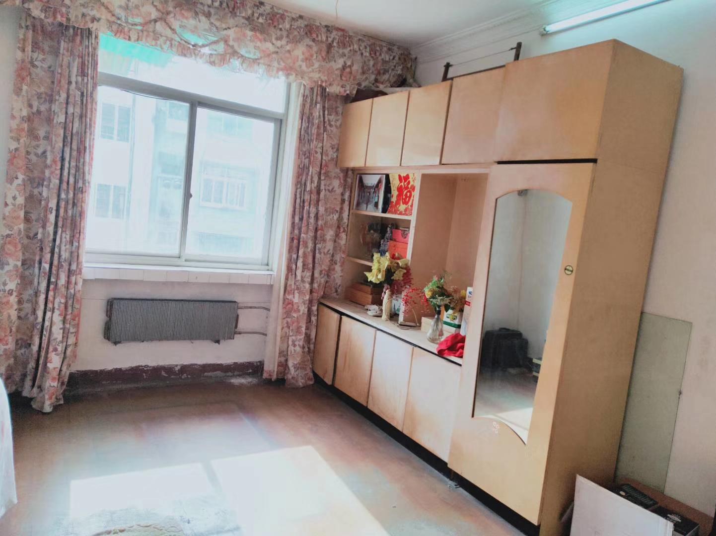石化家属区3室 1厅 1卫19.8万元