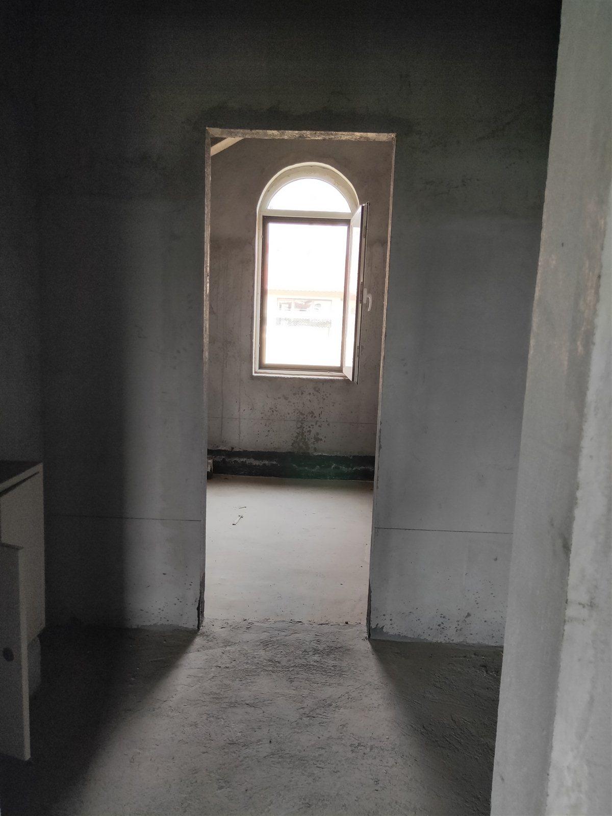 圣泽舜城别墅4室 2厅 2卫238平170万元