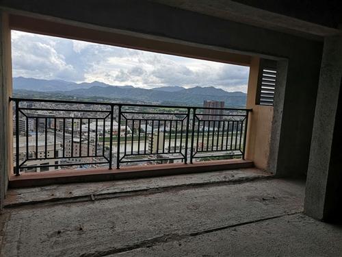 河婆新城三期4室 2厅 3卫145万元