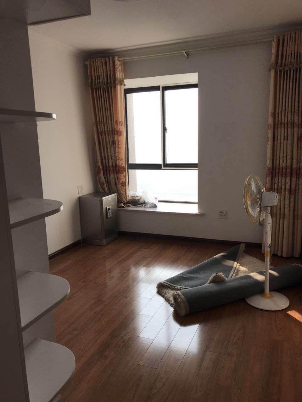 万泉青年城3室 2厅 1卫65万元