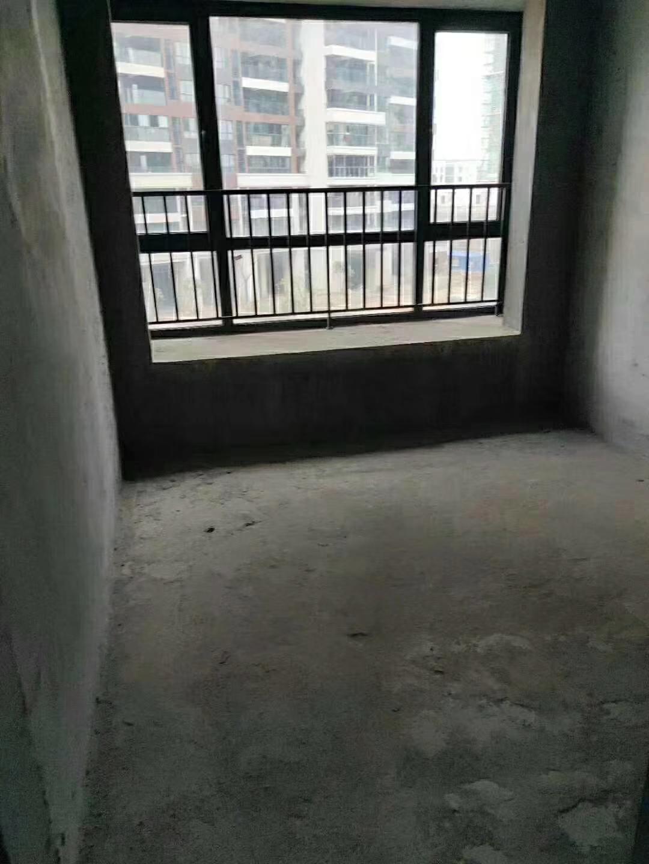 名人苑4室 2厅 1卫95.8万元
