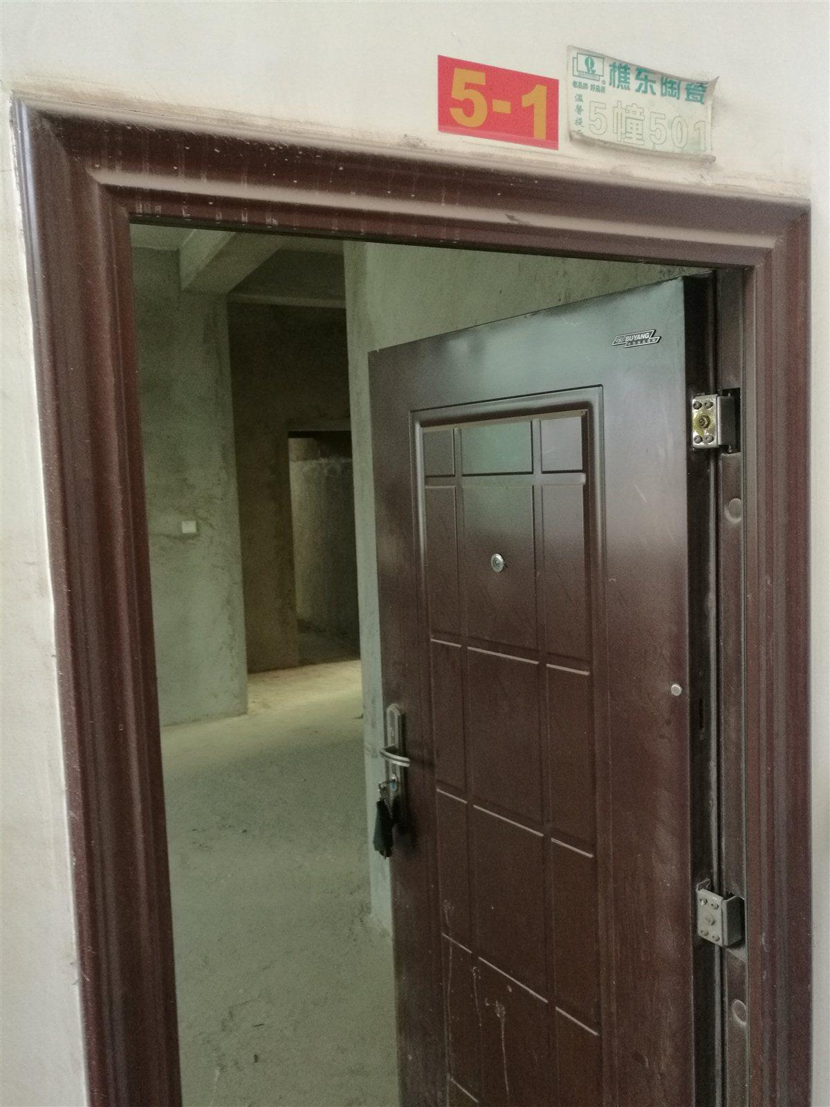 建水人民医院后门3室2厅2卫。。。 2017-541