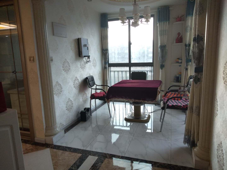隆盛華府3室 2廳 2衛68萬元